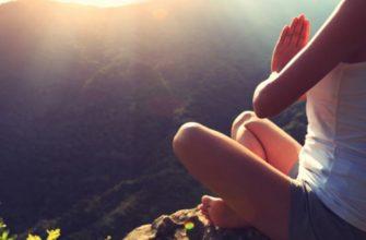 Йога для начинающих: польза и вред занятий для организма