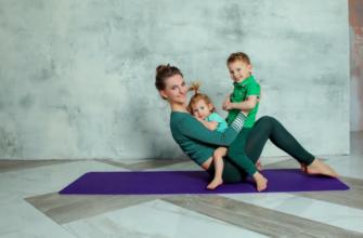 Бэби йога для грудничков и малышей до года вместе с мамой