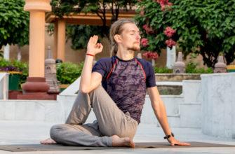 Йога для спины и позвоночника: 8 асан (упражнений) для начинающих при болях в спине и пояснице
