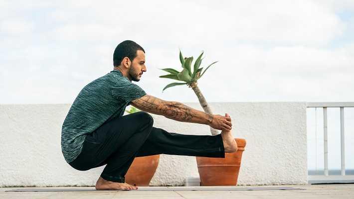 10 преимуществ йоги для спортсменов (по науке) - yes, therapy helps!