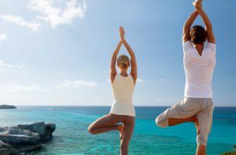 12 поз йоги для двоих, которые научат доверять друг другу