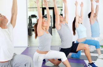 7 упражнений из йоги для упругой и подтянутой попы - Лайфхакер
